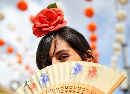 Femme espagnole à la foire, Séville, Espagne Banque d'images - 53634353