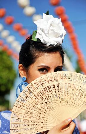 Mujer andaluza en la Feria, Sevilla, España Foto de archivo
