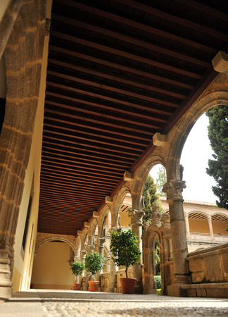 charles county: Cloister of the Monastery of Yuste, Cuacos de Yuste, Extremadura, Spain Editorial