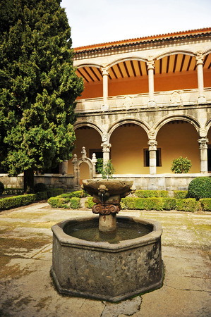 plateresque: The fountain of the cloister, Monastery of Yuste, Retirement of Emperor Charles V, Cuacos de Yuste, Extremadura, Spain Editorial