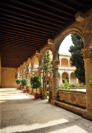 charles county: Gallery of the cloister of the Monastery of Yuste, Cuacos de Yuste, Extremadura, Spain Stock Photo