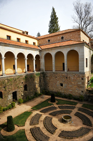 plateresque: Gardens in the Monastery of Yuste, retirement of Emperor Charles V, Cuacos de Yuste, Extremadura, Spain Editorial