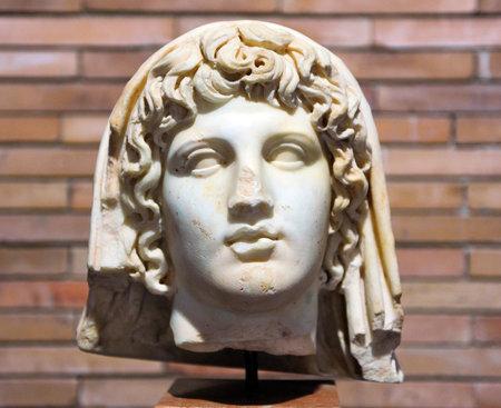 escultura romana: Octavio Augusto, emperador romano, escultura romana, M�rida, Espa�a