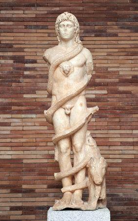escultura romana: Cronos, dios del tiempo, la escultura romana, M�rida, Espa�a Editorial
