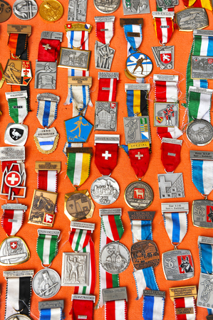 rebates: Selling old medals in the flea market, collection