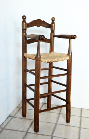 muebles antiguos: muebles antiguos, trona infantil
