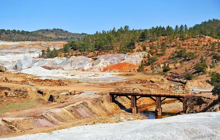 mundo contaminado: paisaje minero, Minas de Riotinto, provincia de Huelva, España