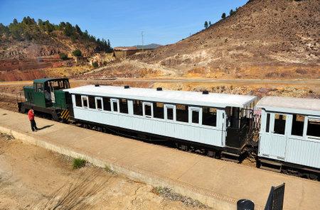Train touristique dans les mines de Rio Tinto, la province de Huelva, Espagne Éditoriale
