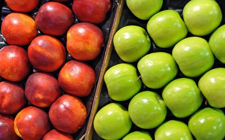 alimentacion balanceada: Manzanas en el mercado