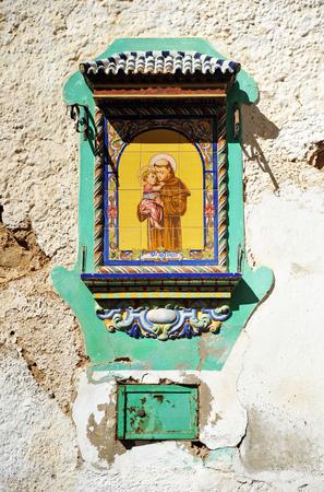 Saint Anthony, tile altarpiece