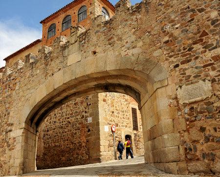 Arco de la Estrella, Arc of the Star, medieval city wall Caceres, Extremadura, Spain