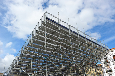 disassembly: aluminum structure with extra bleachers and seats for a outdoor show