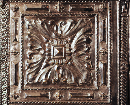 relive: Spanish goldsmithing, religious silver object