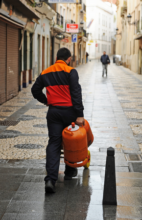 butane: Delivery of butane gas cylinders at home