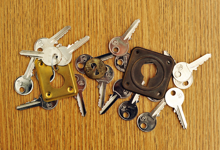 Many keys equal, community of owners, many properties