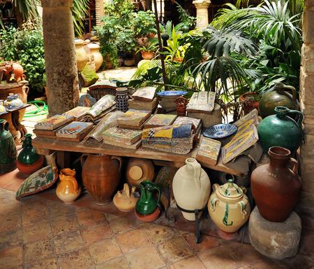 Keramiekwinkel in de stad Ubeda, provincie Jaen, Spanje