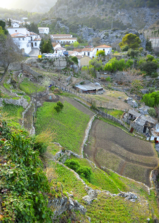 View of Grazalema village, white villages in Cadiz province, Andalusia, Spain Banque d'images - 106188441