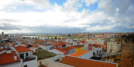 Cityscape of Badajoz and the Guadiana river from the Alcazaba, Extremadura Region, Spain Banque d'images - 106726903