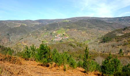 Scenic landscape of the mountains on the Camino de Santiago, Camino Sanabres, near Laza, Orense province, Galicia, Spain Standard-Bild