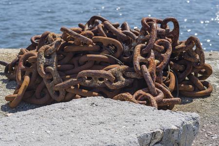rusty chain: Rusty chain.