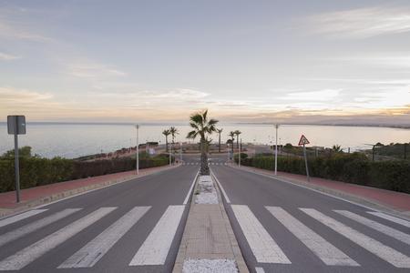crosswalk: Paso de peatones. Foto de archivo