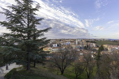 View of Soria from lookout of El Sagrado Corazon (Soria, Spain). 스톡 콘텐츠 - 146304233