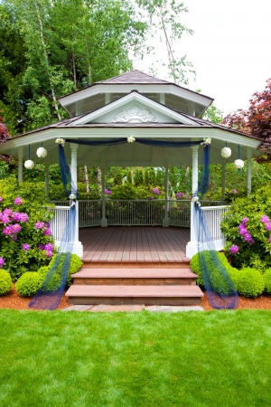venue: Wedding gazebo and stairs at an outdoor venue in Oregon  Stock Photo