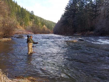 冬の寒さで釣りをハエ男
