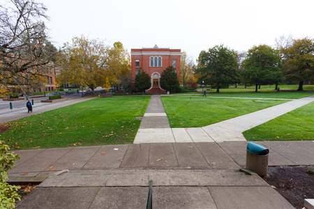 eugene: EUGENE, OR - NOVEMBER 12, 2015: University of Oregon school campus during the Winter with very few students around.