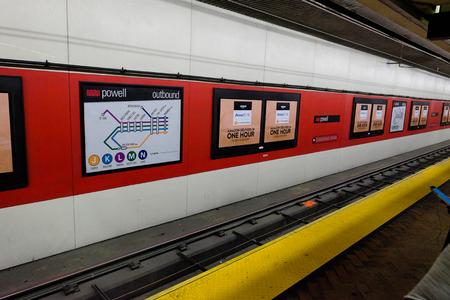 SAN FRANCISCO, CA - DECEMBER 10, 2015: San Francisco underground subway transportation station for Muni and Bart. Redakční