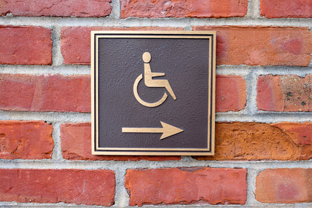 wheelchair access: Arrow points to the right for wheelchair access in San Francisco.