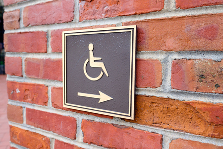Arrow points to the right for wheelchair access in San Francisco.