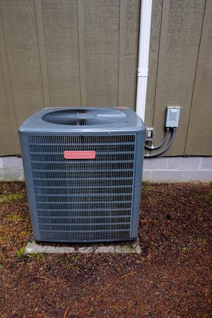 Klimaatbeheersing buiten een huis in Oregon. Redactioneel