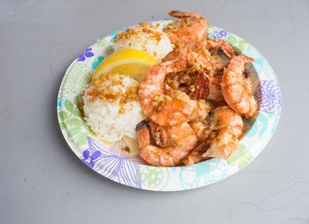 Hawaiiaanse Garnalenplaat Lunch Stockfoto