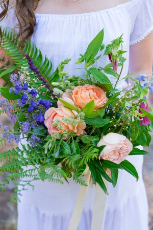 Wedding bouquet made by a florist for a bride on her elopement day. Zdjęcie Seryjne