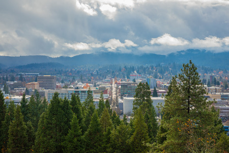 Eugene Oregon City and Clouds Stockfoto
