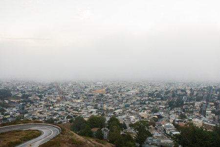 San Francisco City Skyline from Twin Peaks 報道画像