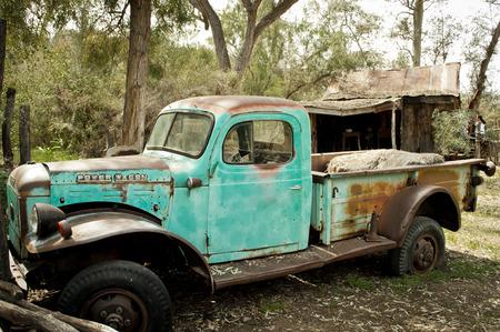 rundown: Old Rundown Truck