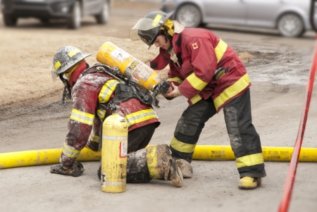 It is two firefighters work hard for our security. Sajtókép