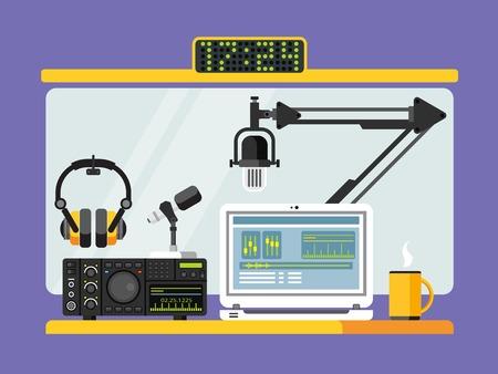 microfono de radio: Estudio de la emisora ??de radio profesional con micrófono y otros equipos en la mesa plana ilustración vectorial