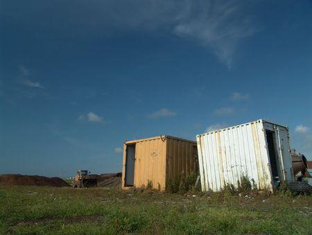 oxidado: Rusty abandonados y contenedores