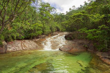 열대 우림에있는 폭포, Chemerong Berembun Langsir, CBL, 말레이시아