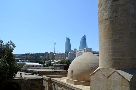 Panoramic view of Baku - the capital of Azerbaijan located by the Caspian Sea shore. Seen from a hammam. Banque d'images