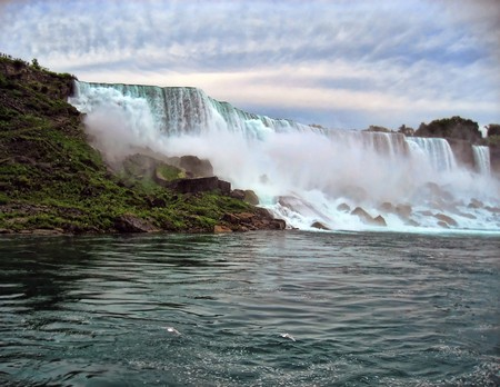 Under the Waterfalls in Niagara Falls Stock Photo - 6969236