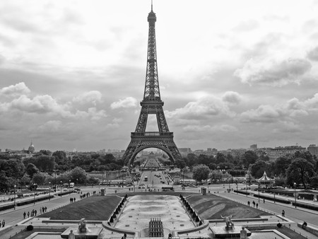 View of Eiffel Tower in Paris, France Stock Photo - 7463595