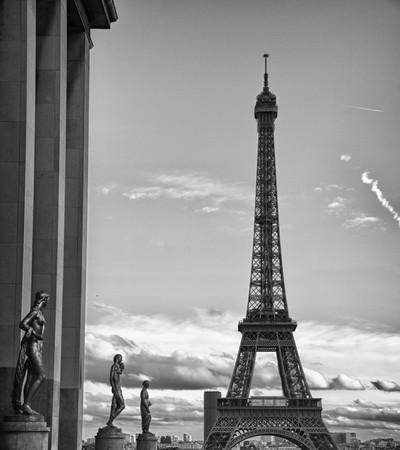 Černá a bílá pohled na Eiffelovu věž, Paříž