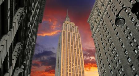 imperium: Zonsondergang over Empire State Building, New York City, Verenigde Staten