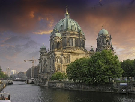 dom: Couleurs de ciel Berliner Dom, Allemagne
