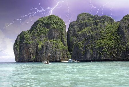 Thunderstorm approaching the Island, Thailand Stock Photo - 9666856