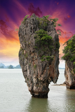 Giant Rock of PhiPhi Island, Thaliand photo